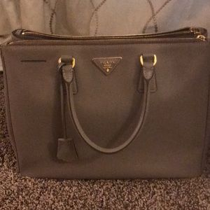 PRADA PURSE! RARELY USED!